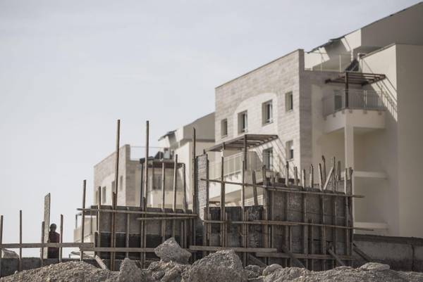 Construction in West Bank settlement [ARCHIVE MATERIAL 20131104 ]