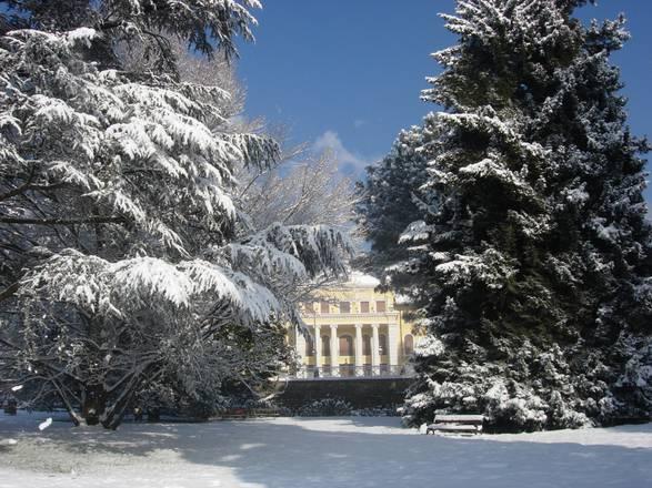 La magia della neve nei parchi pi belli d 39 italia photo - Giardini d inverno immagini ...