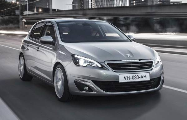 PEUGEOT 308 NOMINATA CAR OF THE YEAR 2014