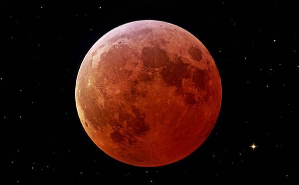 Secondo appuntamento con la Luna rossa nel 2014 (fonte: NASA)