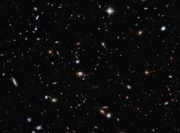 La foto panoramica dell'universo 'scattata' dal telescopio spaziale Hubble (fonte: NASA, ESA