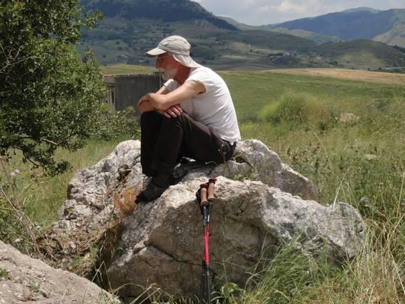 A piedi per 300 km in sicilia i nuovi nomadi in for 300 case piedi quadrati