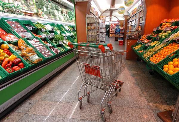 Inflazione: giù prezzi carrello spesa, mai così dal 1997