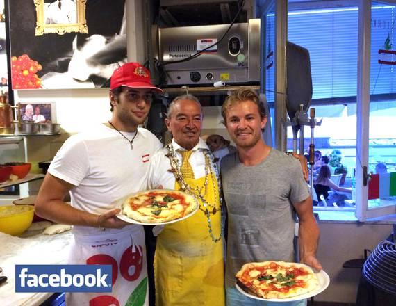 F1: Rosberg a Napoli in cerca della migliore pizza