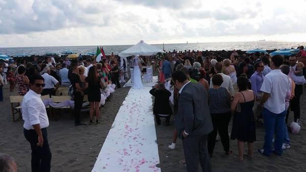 Matrimonio In Spiaggia Rimini : Matrimonio romantico a riccione ci si potrà sposare
