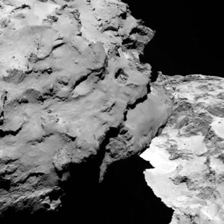 La 'testa' della cometa fotografata dalla distanza di 120 chilometri (fonte: ESA/Rosetta/MPS for OSIRIS Team MPS/UPD/LAM/IAA/SSO/INTA/UPM/DASP/IDA)