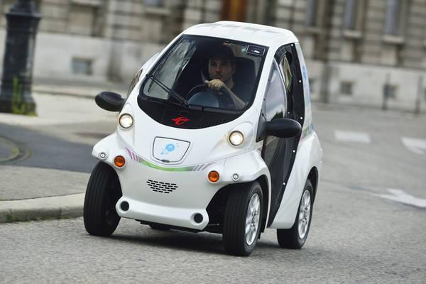 grenoble parte car sharing toyota 39 cit lib by ha mo 39 eco mobilit motori. Black Bedroom Furniture Sets. Home Design Ideas