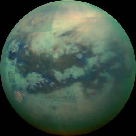 Una gigantesca lettera H su Titano (fonte: NASA/JPL/University of Arizona/University of Idaho)