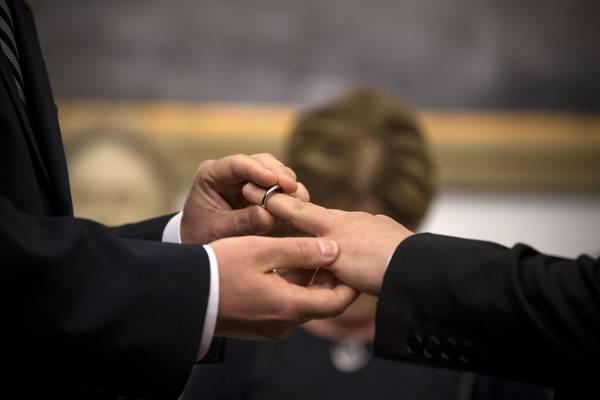 Parlamento Ue riconosce 'famiglie gay' e suoi diritti