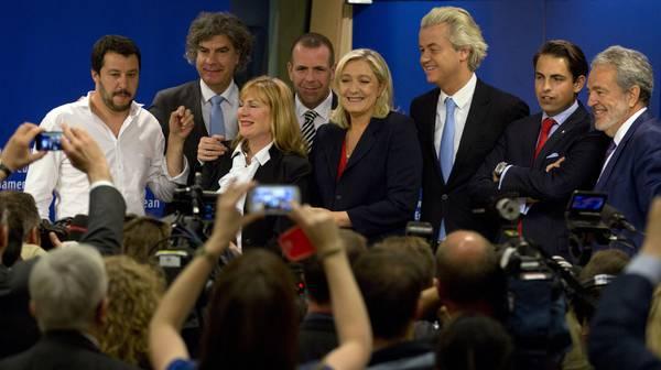 """Strasburgo: Le Pen e Salvini avviano il Gruppo """"Europa delle nazioni e delle libertà"""" C70ac10c647b288b0c62966dd026f606"""