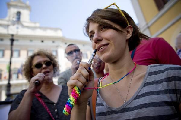 Fumo E Cig Sicure In Gb Proposta Per Prescriverle Sanita Salute E Benessere Ansa It