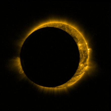 L'eclissi di Sole 'catturata' dallo spazio  (fonte: ESA/Royal Observatory of Belgium)