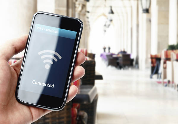 Internet: Comune del Torinese vieta il wi-fi nelle scuole