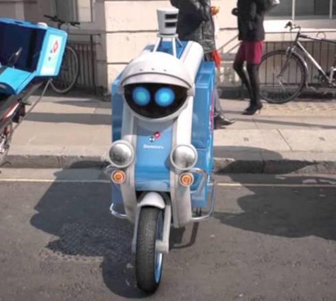 Un esempio di scooter a guida autonoma, sperimentato in Gran Bretagna per consegnare la pizza a domicilio (fonte: Domino's Pizza UK)