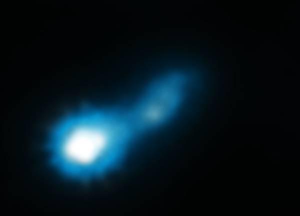 Un buco nero 'illuminato' dal Big Bang