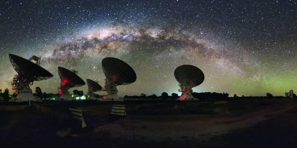 Il radioteloescopio australiano di Parkes (fonte: Alex Cherney)
