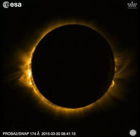 Mercoledì eclissi totale di Sole con la 'super luna nera'