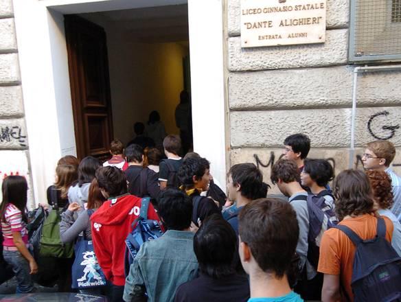 Sondaggio agli studenti: mafia più forte dello Stato per il 48%$