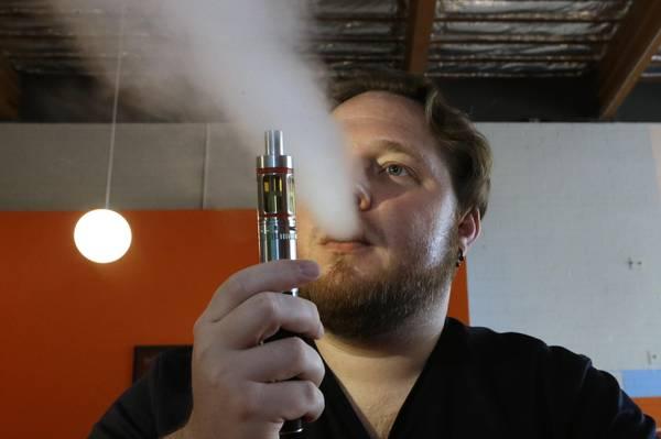 Sigarette Elettroniche Sicure Ma Aiutano Poco A Smettere Medicina Salute E Benessere Ansa It