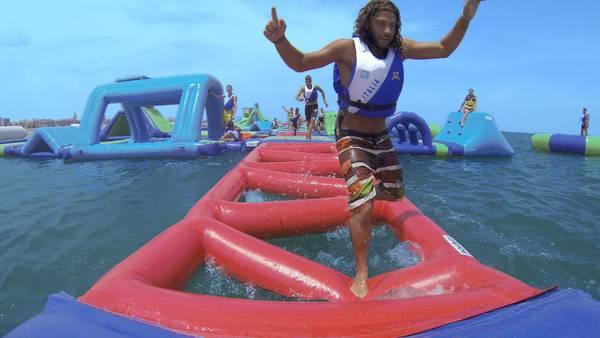 Turismo a rimini nasce un parco acquatico in mezzo al for Un mezzo galleggiante