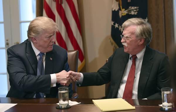 Risultati immagini per John Bolton e Trump immagini