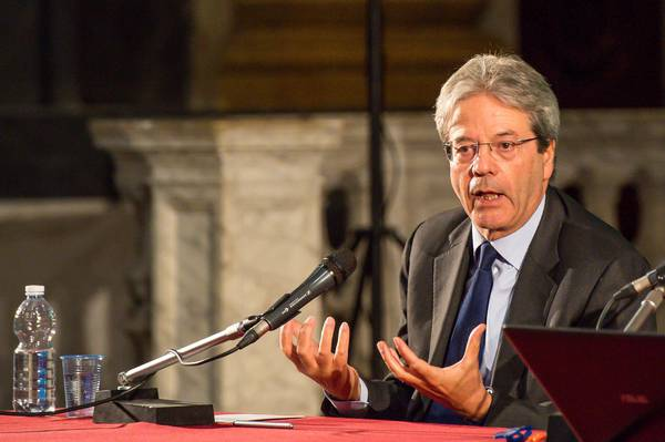 Gentiloni risposte sovraniste errate anche in italia for Diretta parlamento oggi