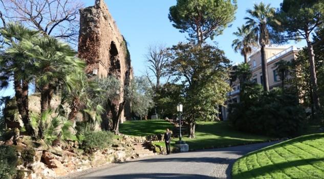 Villa wolkonsky reperti imperiali e un giardino romantico for O giardino di pulcinella roma