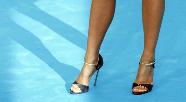Caviglie sexy tatuaggi e sandali per il nuovo baricentro for Tatuaggi da piede