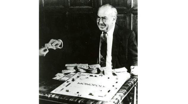Monopoly compie 80 anni, tra parco della vittoria e vicolo stretto.. Monopoli
