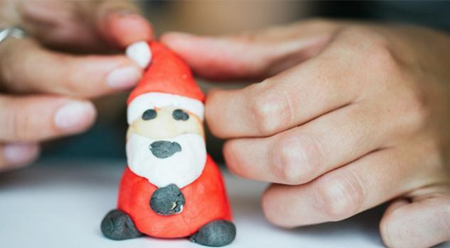 Natale idee originali per regali low cost: sapone modellabile come plastilina (Fun di Lush)
