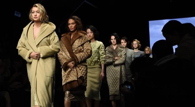 uk availability aeb0a 5550d La Marilyn di Max Mara tra cappotti e abiti sottoveste ...