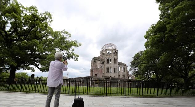 atomic bomb hiroshima nagasaki essay