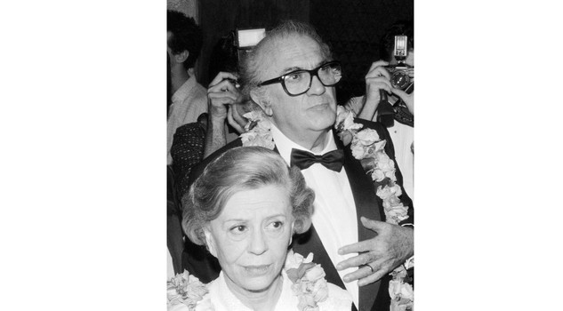 Fellini e Masina NEW YORK, NY - JUNE 11: Federico Fellini and his wife Giulietta Masina at the Linclon Center in New York, 11 June 1985. (Photo credit should read ROBERT MAAS/AFP/Getty Images)