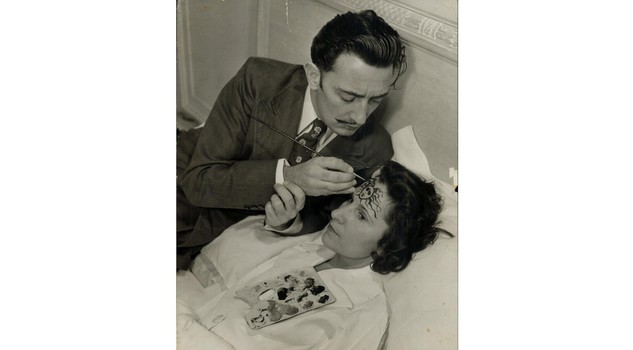 Dal e Gala On his wife's forehead, Salvador Dali paints the head of Medusa, one of the three snaky-haired Gorgon sisters who glance turned into stone everything on which it rested.