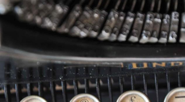 Raduno collezionisti di macchine per scrivere, il modello ottocentesco con il testo @