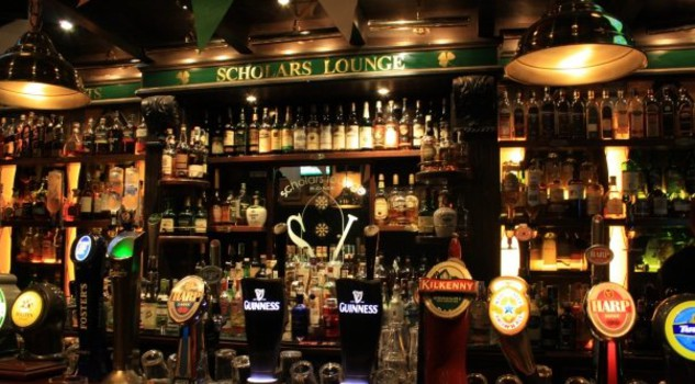 At the Irish Pubs Global Gala Awards in Dublin, Scholars Lounge Rome won three titles: for the best craft beer Experience, the best Irish Pub in Europe, and THE WORLD'S BEST IRISH PUB OF THE YEAR 2017