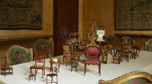 In miniatura piccoli preziosi arredi in legno design for Design di mobili in legno italiano