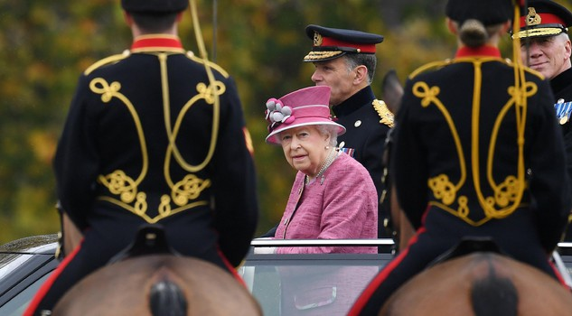 Queen marks 70th anniversary of King's Troop Royal Horse Artillery in London