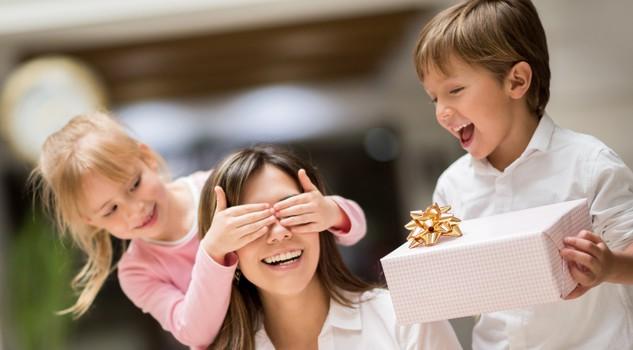 Essere Mamma, conciliare lavoro e famiglia è duro ma con i figli in ... ed7b634c87