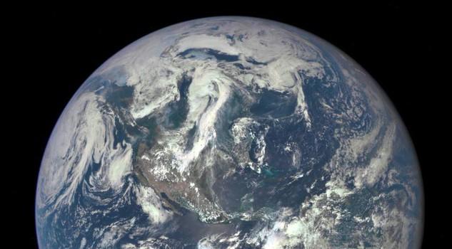 Blue Marm, la terra vista dallo spazio. fonte Al Gore site web