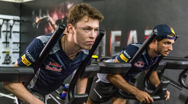 Da sx Daniil Kvyat e Carlos Sainz_photo Pignataro/Red Bull Content Pool