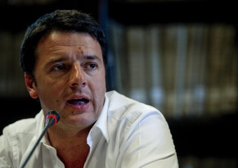 Renzi all' attacco dei 5 stelle: discutono solo di scontrini, si spaccheranno