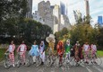 Alice e il Cappellaio Matto in bici a New York con Pirelli (ANSA)