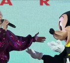 'Happy birthday' per Topolino a Disneyland (ANSA)