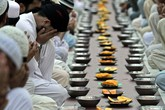 Ramadan in Pakistan (ANSA)