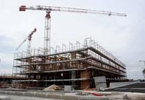 Un palazzo in costruzione (ANSA)