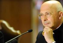 Il cardinale Angelo Bagnasco, presidente della Cei (ANSA)