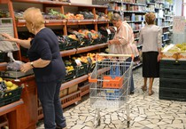 L'interno di un supermercato (ANSA)
