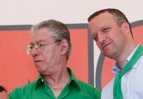 Umberto Bossi e Flavio Tosi in una foto d'archivio (ANSA)