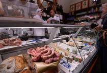 +Un negozio di generi alimentari (ANSA)